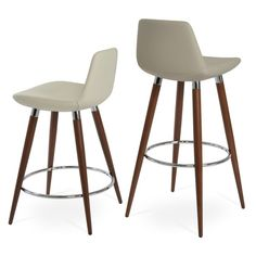 A sohoConcept Pera Bar Stool sohoConcept White Bar Stools, 26 Bar Stools, Swivel Bar Stools, Counter Stools, Bar Counter, Short Stools, Farmhouse Dining Chairs, Dining Decor, Outdoor Dining