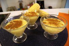 Receita de Pamonha - 1 pitada de sal, 1 1/2 xícara (chá) de açúcar, 3 xícaras (chá) de leite, 4 xícaras (chá) de grãos de milho verde fresco, canela em pó a...
