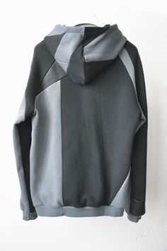 style 4: two tones patchwork hooded sweat back