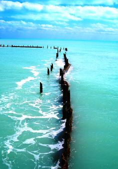 Key West, Florida one of my favorite places ever Dream Vacations, Vacation Spots, Key West Florida, Florida Keys, Florida Water, Florida Girl, Florida Usa, Places To Travel, Places To See