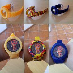 O meu relógio  da watx&color e as braceletes que eu tenho.