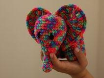 Ich liebe häkeln Kleiner Amigurumi Baby-Elefant