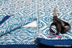 Strikkepiken – Sandwich-stolper med rullekant Picnic Blanket, Outdoor Blanket, Knitting, Tejidos, Tricot, Bebe, Breien, Threading, Stricken