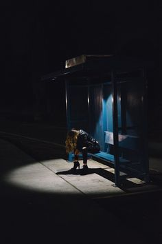 Woman Lights Bus Stop photo by Edwin Andrade ( on Unsplash Blue Pictures, Pictures Images, Hd Photos, Free Images, Room Pictures, Couple Pictures, Girl Photos, Night Photography, Street Photography