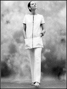 Marisa Berenson.  Photo by William Helburn, 1970.