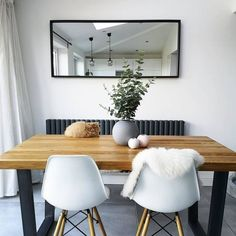The timeless design works just as well in the bedroom as in the bathroom. Ikea Dining Room, Living Room Decor, Kitchen Dining, Living Rooms, Kitchen Decor, Conservatory Dining Room, Small Dining, Dining Corner, Dinning Table