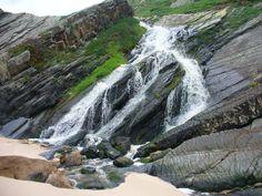 Cascata na praia da Amália--costa Alentejana