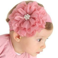 This Pin was discovered by pau Baby Girl Hair, Baby Hair Bows, Baby Girl Headbands, Cloth Flowers, Felt Flowers, Fabric Flowers, Ribbon Art, Ribbon Bows, Bandeau Crochet