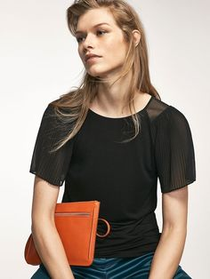 Camisetas y tops de mujer de primavera 2017 | Massimo Dutti