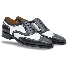 New Handmade Men Black And White Wingtip Brogue Formal Shoes, Tuxedo Dress Shoes Oxford Brogues, Black Oxfords, Oxford Shoes, Leather Fashion, Fashion Shoes, Mens Fashion, Fashion Rings, Steve Madden, Spectator Shoes