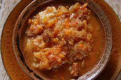 Mennonite Girls Can Cook: Farmer Sausage Borscht for a Crowd- a thick economical stew made with meat, cabbage, and potatoes Farmer Sausage, Sausage Soup, Amish Recipes, Soup Recipes, Cooking Recipes, Yummy Recipes, Borscht Recipe, Cooking For A Crowd, Bon Appetit