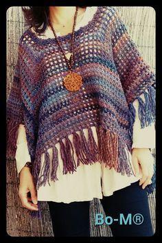 Bo-M--mesh stitch poncho Crochet Cape, Crochet Shirt, Crochet Cardigan, Knit Or Crochet, Crochet Scarves, Crochet Clothes, Crochet Stitches, Crochet Shawls And Wraps, Crochet Woman