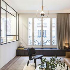Une décoration zen dans un appartement parisien - PLANETE DECO a homes world Classic Interior, French Interior, Home Design, Orac Decor, Beton Design, Living Spaces, Living Room, Paris Apartments, Aesthetic Rooms