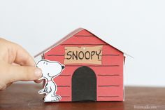 Printable Snoopy Dog house - a fun craft to do with the kids.