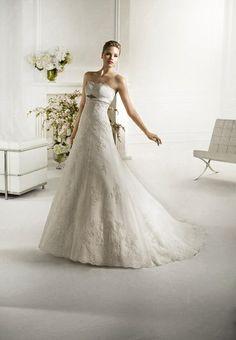 Robe mariée Atelier Diagonal, modèle Falua collection 2013