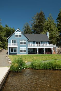 Lake house rental on Devils Lake