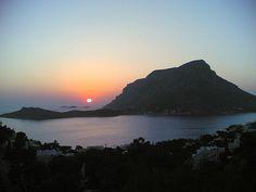 """* Ilha de Telendos * Grécia. Mar Egeu.  Arquipélago do """"Dodecaneso"""". Área: 8,5 Km². Já esteve unida à Ilha de Kalymnos; separou-se desta no Séc VI a.C. depois de episódios sísmicos."""