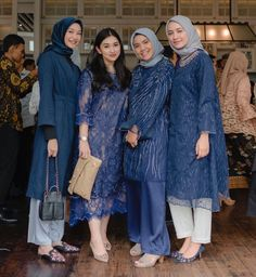 Ideas For Sewing Clothes Ladies Girls Kebaya Modern Hijab, Kebaya Hijab, Kebaya Dress, Batik Kebaya, Kebaya Muslim, Hijab Gown, Hijab Dress Party, Hijab Style Dress, Casual Hijab Outfit
