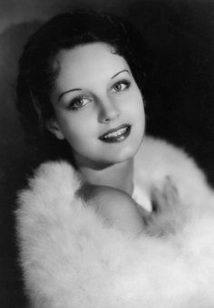 Rochelle Elizabeth Hudson was an American film actress from the through the Hudson was a WAMPAS Baby Star in Wikipedia Old Hollywood Glamour, Vintage Glamour, Vintage Hollywood, Vintage Beauty, Classic Hollywood, Vintage Soul, Hollywood Icons, Hollywood Actresses, Old Movie Stars