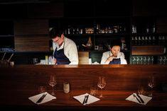 Restaurant Le Rigmarole in Paris Best Cocktail Bars, Paris Restaurants, Toulouse, Rue, Restaurant Bar, Bordeaux, Cocktails, France, Good Things