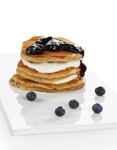 Surmelkslapper | www.greteroede.no | www.greteroede.no Crepes And Waffles, Pancakes, Griddle Cakes, Norwegian Food, Crepe Cake, Mille Crepe, Snacks, Breakfast, Yoghurt