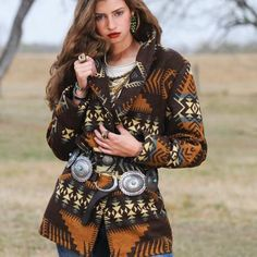 If you had boot, shoes, scarf, or something to pair with this coat it's pretty on it's own but I'd want something else to tie the outfit together,Your not always going to wear a coat indoors. Cowgirl Mode, Cowgirl Chic, Cowgirl Style, Cowgirl Tuff, Country Outfits, Western Outfits, Fall Outfits, Cute Outfits, Cowgirl Outfits