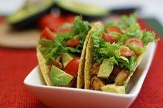 Avocado Chicken Tacos ~ 31 Days of Rotisserie Chicken Recipes Chicken Taco Recipes, Mexican Food Recipes, Dinner Recipes, Healthy Recipes, Chicken Tacos, Avocado Recipes, Chicken Chunks, Rotisserie Chicken, I Love Food