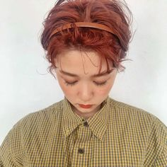 かきあげショートヘア in 2020 Short Dyed Hair, Short Hair Cuts, Short Hair Styles, Hair Arrange, Haircut And Color, Asia Girl, Ulzzang Girl, Red Hair, Beautiful People