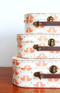 Jeu concours Mademoiselle Claudine et decoBB.  Vous pouvez gagner ces petites valises renard.