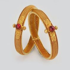 Beautifully Carved Maharashtrian Style Gold Kadas www.addiga.com
