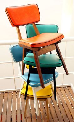 Vintage Retro Style Chairs by Mobler - love the contrast piping. Keep in mind for new old chairs. Funky Furniture, Vintage Furniture, Furniture Design, Painted Furniture, Chaise Vintage, Vintage Chairs, Retro Chairs, Colorful Chairs, Modern Chairs
