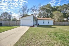 $155,000 - View 34 photos of this 3 Beds 2.0 Baths Traditional home built in 1980. You will love this home in the VERY desirable neighborhood Eastgate!! Th