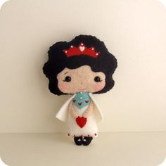 Queen of Hearts pdf Pattern Instant Download by Gingermelon
