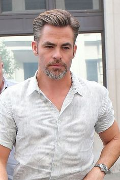 """Chris Pine at the BBC Radio Two Studios in London to promote his new movie """"Star Trek Beyond."""" Darlings, feel free to take in these Chris Pine Beard Styles For Men, Hair And Beard Styles, Hair Styles, Cool Hairstyles For Men, Haircuts For Men, Classic Mens Hairstyles, Goatee Styles, Goatee Beard, Latest Haircuts"""