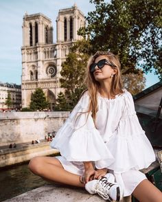 Romantic with an edge Vogue Fashion, Teen Fashion, Fashion Outfits, White Outfits, Casual Outfits, White Dress Summer, Summer Dresses, Dresses Short, Romantic Outfit