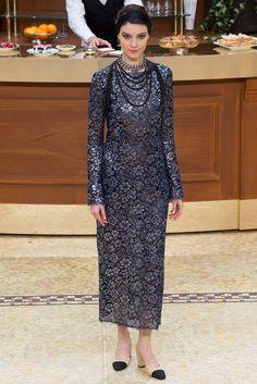 Chanel Fall 2015 Ready-to-Wear Fashion Show - Kati Nescher (Viva)