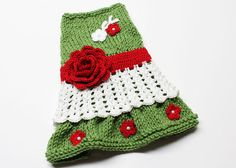 Red and Green Hand Knit Dog Dress size small por MaxMilian en Etsy