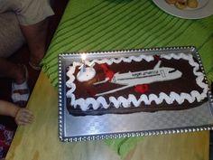 Cake with aeroplane