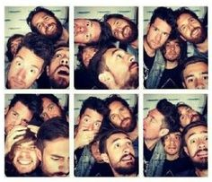 Bastille ▲ Photo booth ▲ Dan Smith ▲ Chris Woody Wood ▲ Kyle Simmons ▲ Will Farquarson ▲
