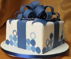 Bolo Azul e Branco Pasta Americana Birthday Cakes For Men, Birthday Present Cake, Beautiful Cake Designs, Beautiful Cakes, Fondant Cakes, Cupcake Cakes, Cake Design For Men, Making Sweets, Gift Box Cakes
