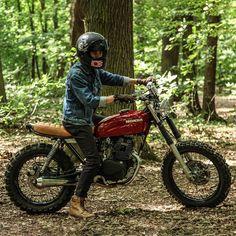"dropmoto: ""Little red riding hood. 1992 Honda CM125 tracker built by France's Anthony Alacs. Found VIA @triggertwins. #dropmoto #builtnotbought #vintagemotorcycle #honda #cm125 #bratstyle #brattracker..."