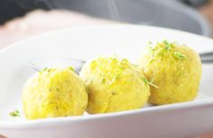 Die Soja-Erdäpfel Knödel sind ein herrliches Gericht für Vegetarier oder auch Veganer.