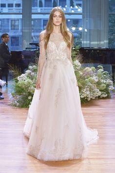 誰說婚紗一定要袒胸露臂?做個另類新娘,就選這 7 款氣質滿分的長袖婚妙!