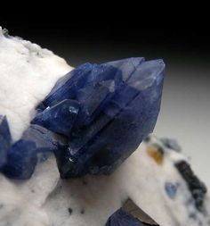 Benitoite from Gem Mine, San Benito Co., California [db_pics/pics/na159d.jpg]