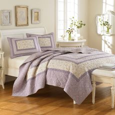 Laura Ashley Purple and Cream Quilt