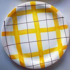 "Polubienia: 4, komentarze: 0 – modern (@modern_old2new) na Instagramie: ""Plate made in Norway by Inger Waage in 60s in Stavangerflint. Decor: Smørgås (1955). Model: Utstein…"" Scandinavian, Table Lamp, Pottery, Paper, Instagram, Home Decor, Modern, Weighing Scale, Ceramica"