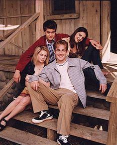 Dawson's Creek Cast, Dawsons Creek Pacey, Tv Show Family, Pacey Witter, Josh Jackson, Joey Potter, Teen Shows, Michelle Williams, Great Tv Shows