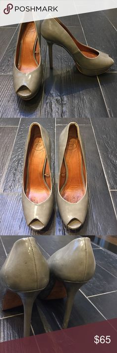 "ZARA grey platform peep toe heels  Gorgeous. Light scuffs from normal wear. 1"" platform. 5"" heel. Platform makes hem feel like a 4"" heel. Peep toe! Gorgeous gray patent leather! Zara Shoes Heels"