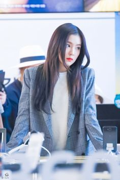Check out Black Velvet @ Iomoio Seulgi, Seoul Korea, Kpop Girl Groups, Kpop Girls, Street Chic, Ulzzang, Korean Girl, Asian Girl, Casual Chic