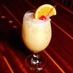 Painkiller Recipe Cocktails, Beverages with rum, pineapple juice, orange juice, cream of coconut Refreshing Drinks, Fun Drinks, Alcoholic Drinks, Beverages, Detox Drinks, Brunch Drinks, Drinks Alcohol, Painkiller Recipe, Painkiller Cocktail